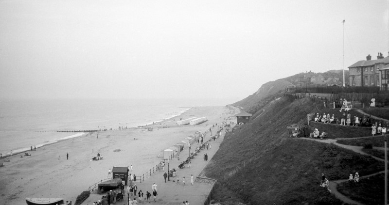 old pic cromer beach